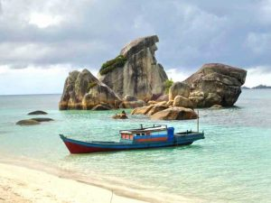 Pulau Burung Batu Garuda