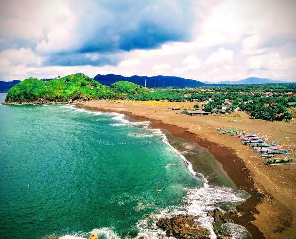 Pantai Payangan di Kabupaten Jember